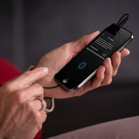 Desarrollan dos aplicaciones móviles para oírlo todo en el cine o el teatro